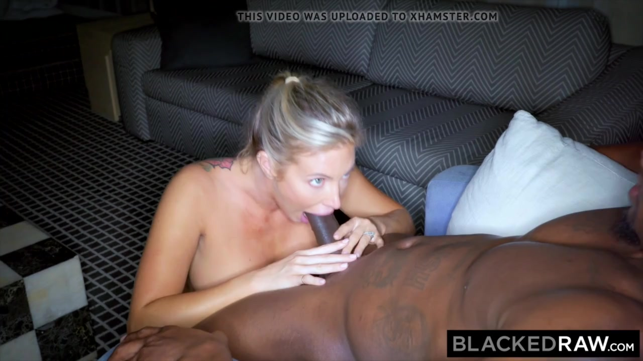 Sexy trophy white wife cucks her hubby with bbc